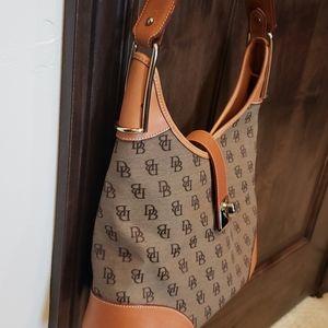 Authentic Dooney & Bourke bag excellent